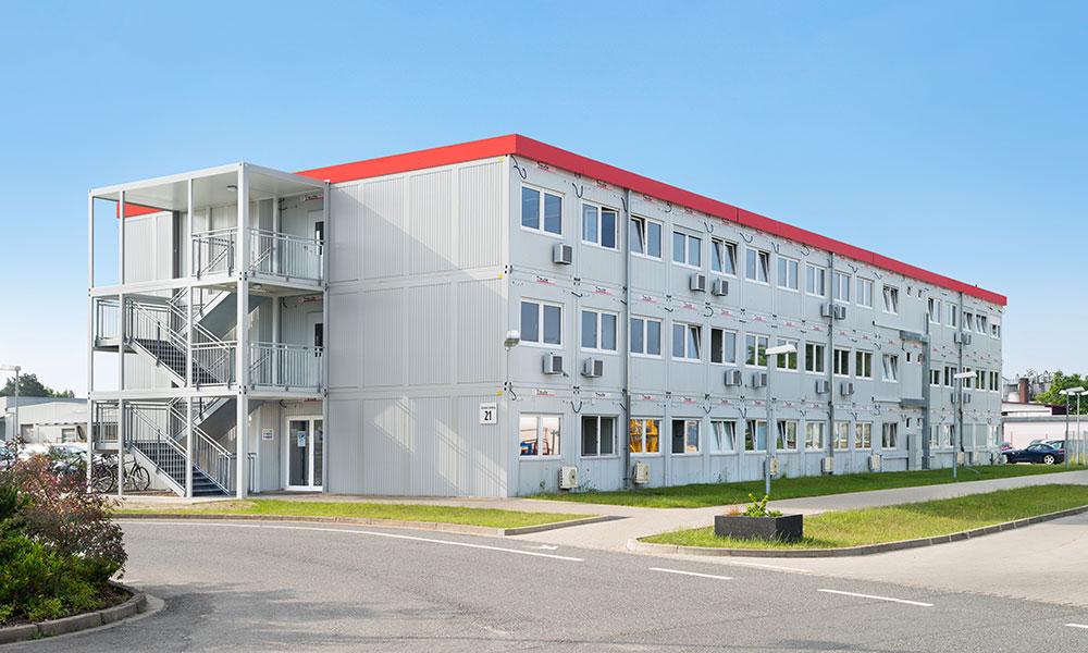 Container mieten bei Treude, auch als drei-geschossiger Bürokomplex mit 123 Einheiten