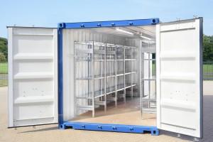 Baucontainer mit Regalen